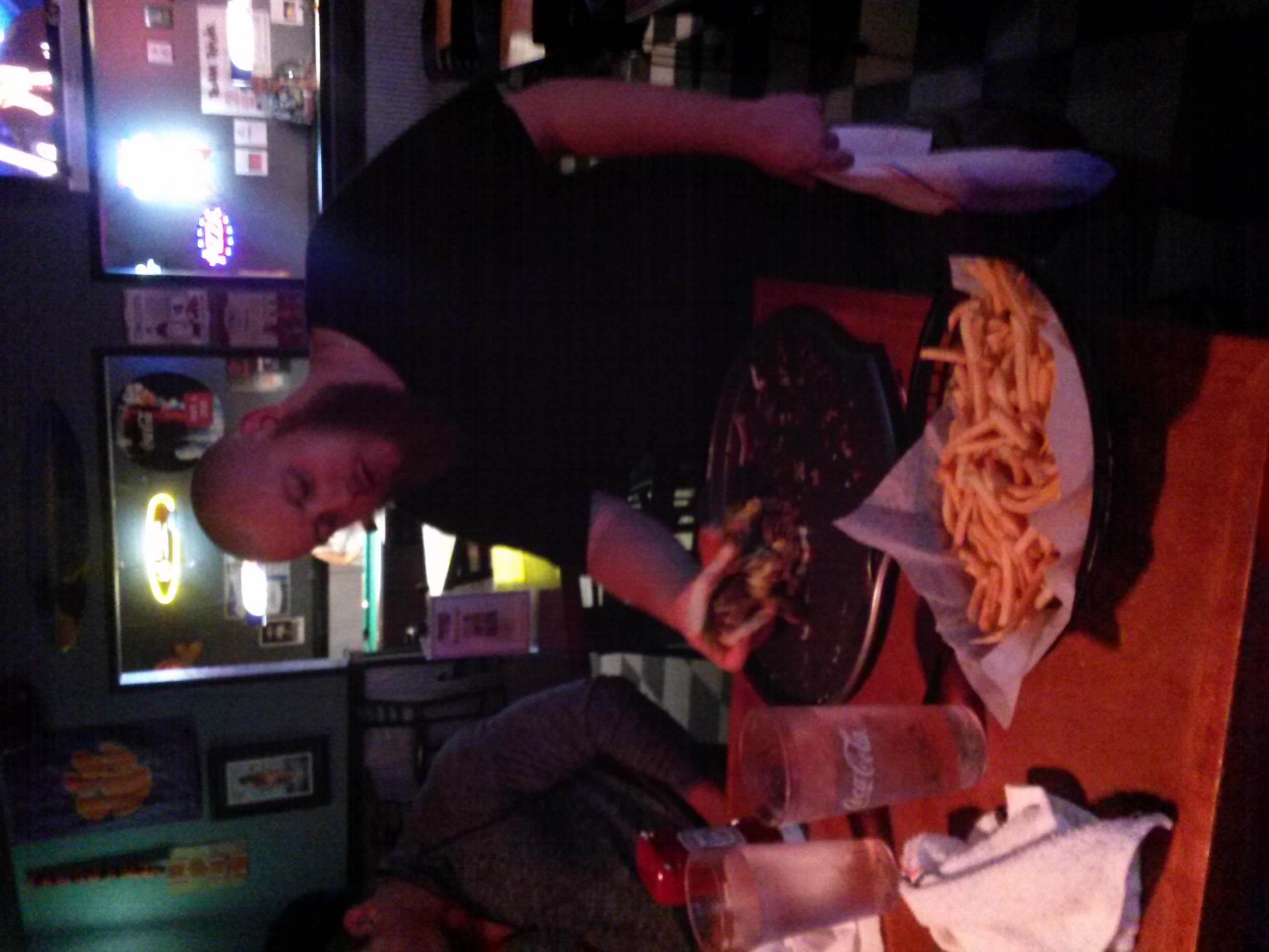 Joey-Logan-Russ Burger Challenge (4)